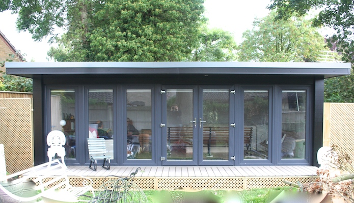 Flyover roofs and decking on garden offices garden studios for Garden studio