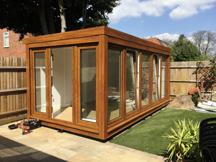 "16' x 8' (4880mm x 2440mm) QCB Garden Office With ""Windows On 2 Sides"""